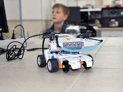Новая лаборатория роботов АИШ